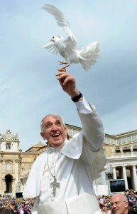 pope-francis-and-dove
