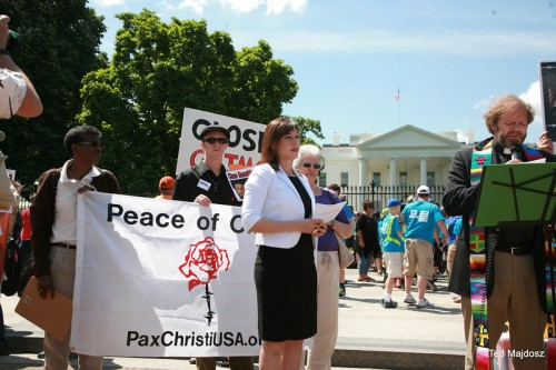 Pax Christi USA staff Sr. Patricia Chappell, SNDdeN and Sr. Anne-Louise Nadeau, SNDdeN join other PCUSA members in calling for teh closing of Guantanamo.