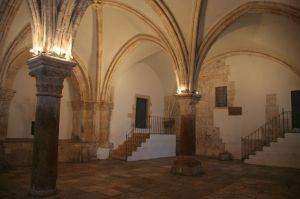 inside-upper-room