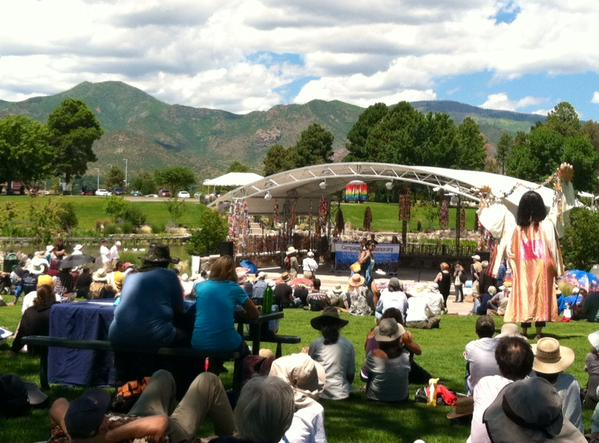 A crowd of 300 listens to speakers at Ashley Pond Park in Los Alamos, NM, on Nagasaki Day. Photo credit: Roger Scott Powers