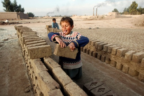 child-labour-brick-factory